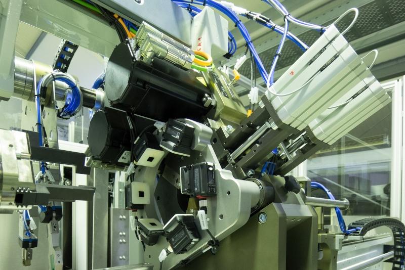 Kollmorgen Automation Parçadan Borular Kesmek